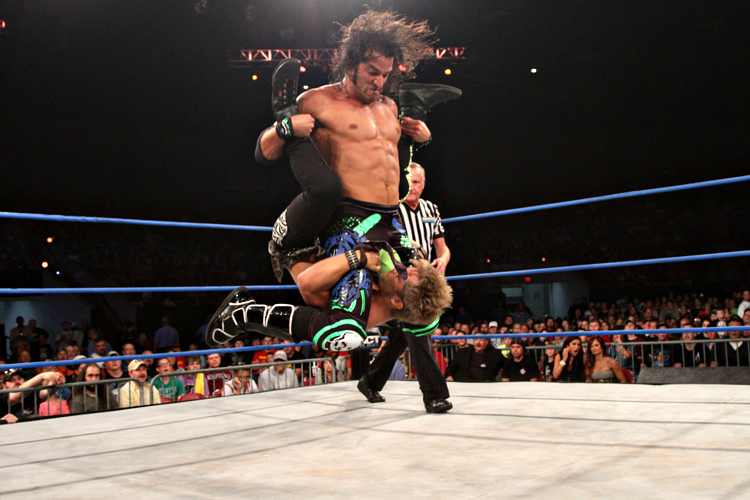 Greg Marasciulo gives Rockstar Spud his finisher