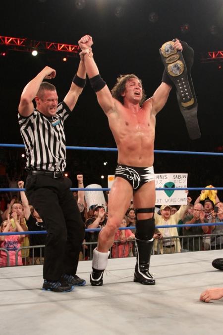 Chris Sabin captures the TNA World Heavyweight Title